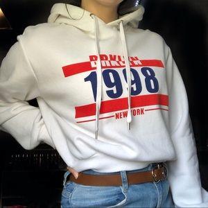 🌻2/$25 • H&M • Cropped Hoodie